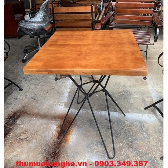 Thanh lý bàn cafe chân sắt mặt gỗ